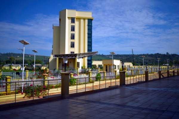 The Lake Basin Mall